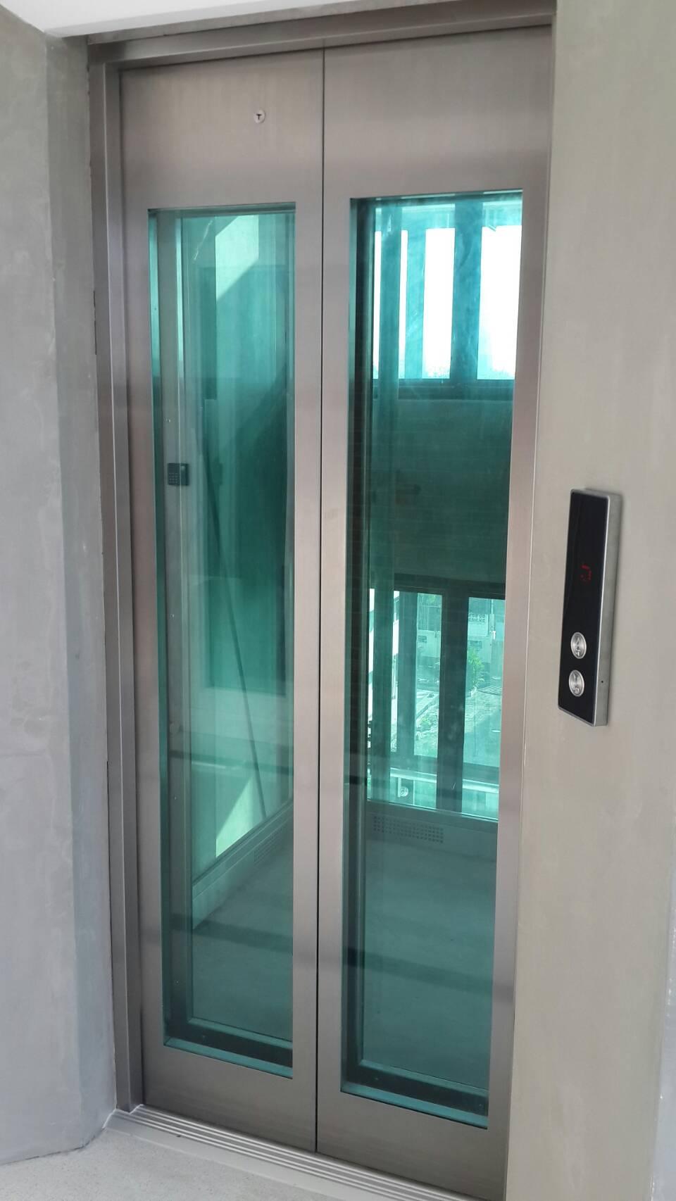ลิฟท์กระจก