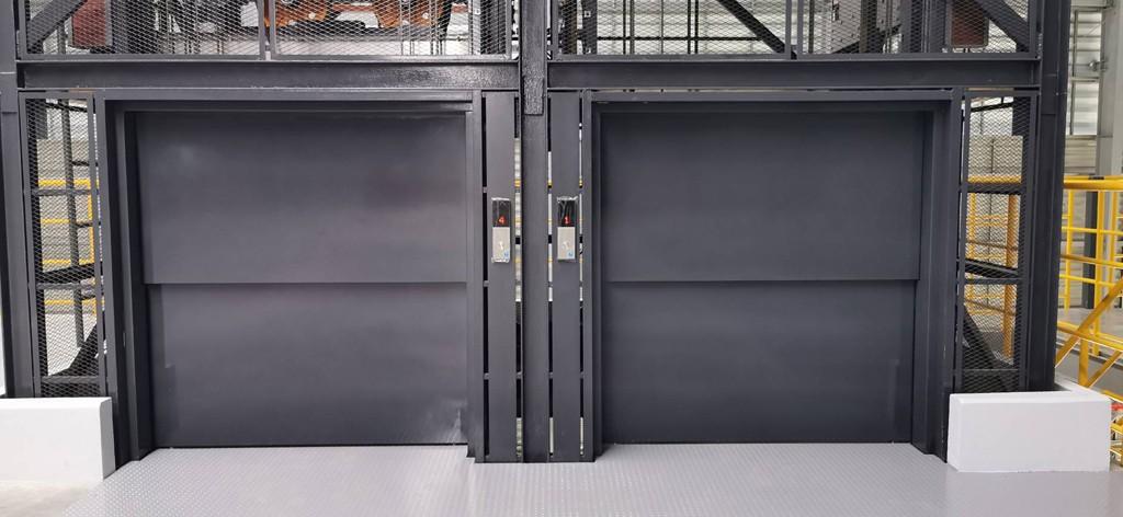 ลิฟท์บรรทุกสินค้า-กึ่งโดยสาร